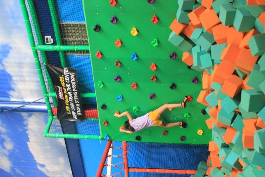 jump yard wall climbing